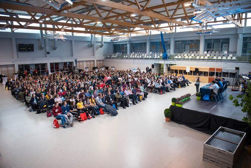 Spotkanie młodych Wspólnoty SantEgidio na Campus Misericordiae z Artur Kozioł i kard. Stanisław Dziwisz